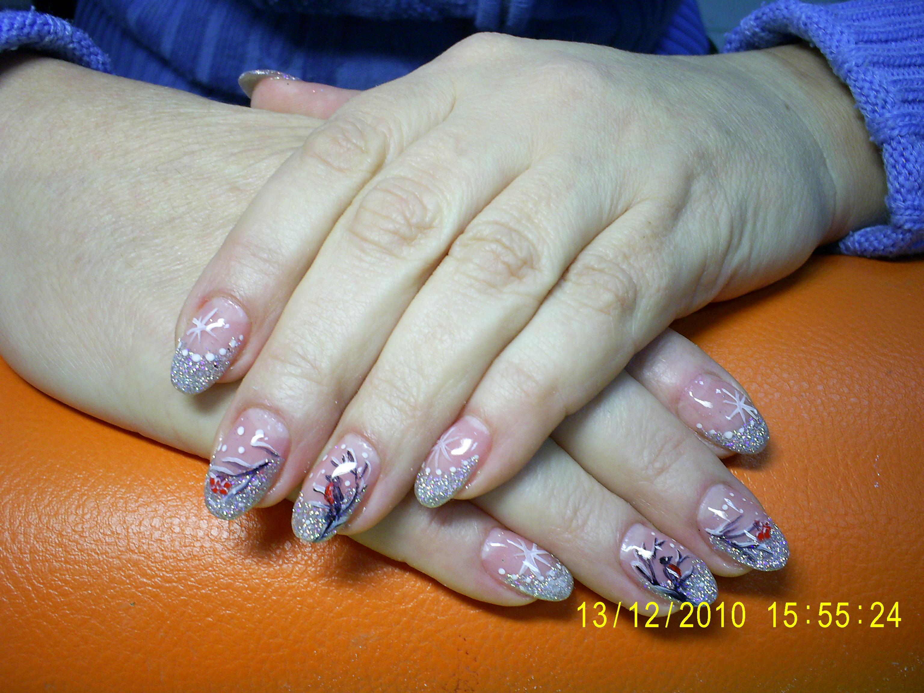 Ногти на формах с блестками фото